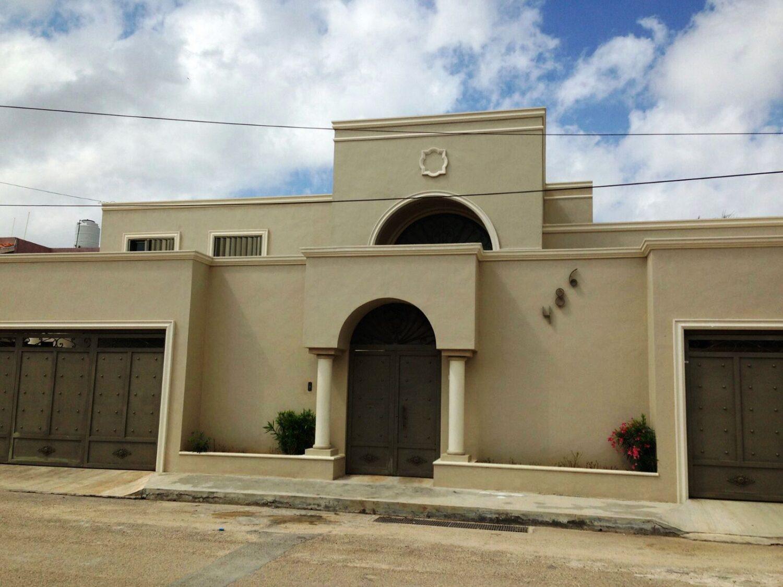 Residencia en Venta Fraccionamiento Nuevo Yucatán