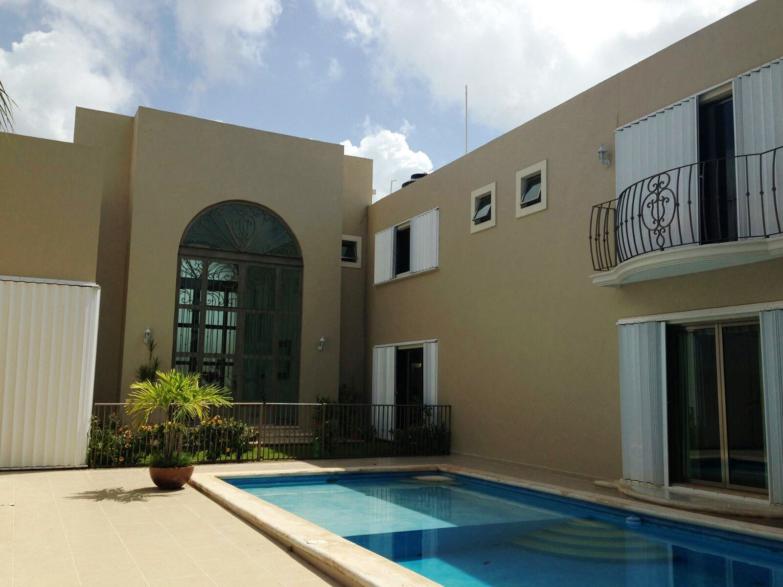 Beautiful Residence for Sale Fracc. New Yucatan