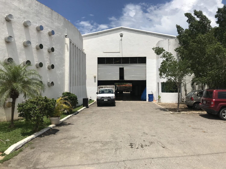 Nave industrial/comercial en venta en el Periférico Norte Mérida