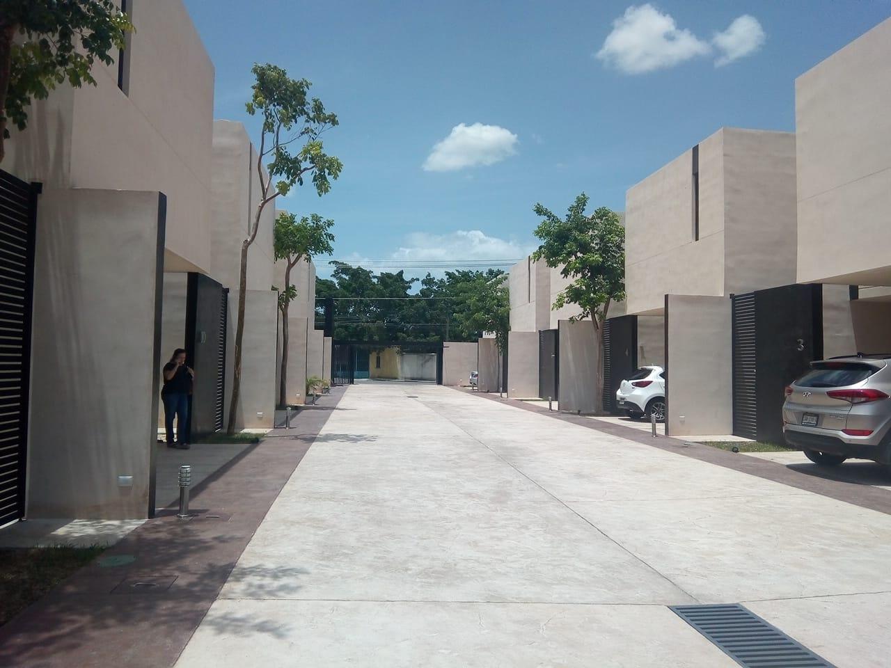 Townhouse Amueblado _via 33 Montebello