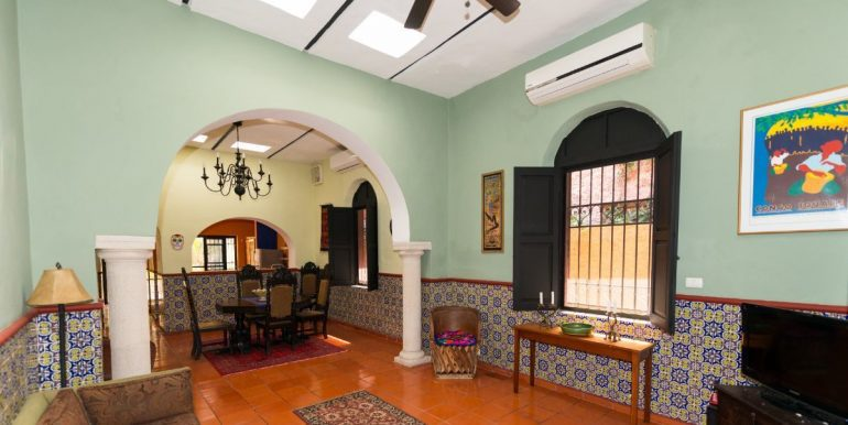 Fabulous 3 bedroom House for Sale just outside of Centro, close to Paseo de Montejo