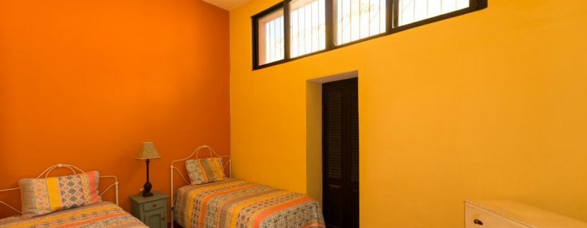 Fabulous 3 bedroom House for Sale just outside of Centro, close to Paseo de Montejo13