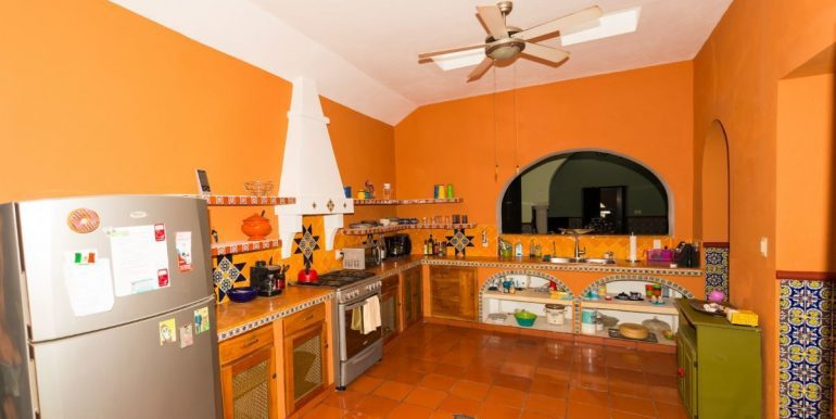 Fabulous 3 bedroom House for Sale just outside of Centro, close to Paseo de Montejo6