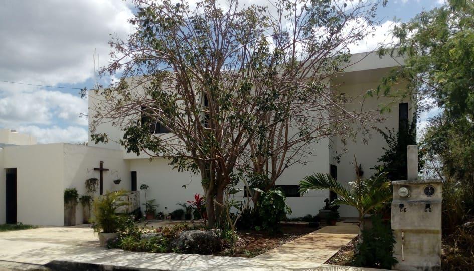 Viladiu Cholul Casa Manina Fachada